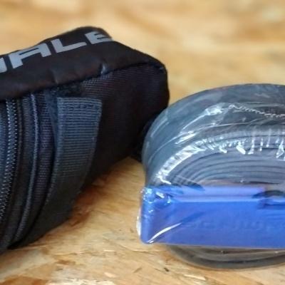 Bolsa de selim Schwalbe com câmara de ar e desmontas