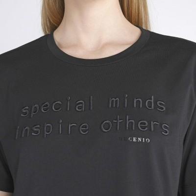 T-shirt com mensagem Decenio