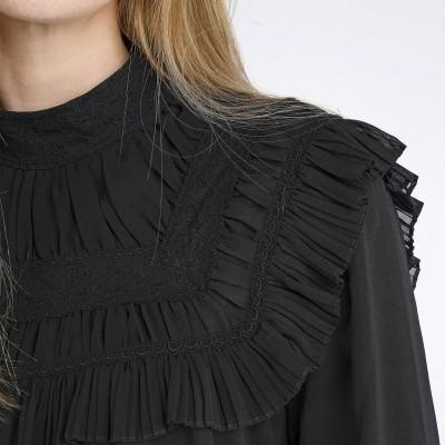 Blusa com detalhes bordados Decenio
