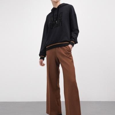 Sweatshirt com monogramas em veludo