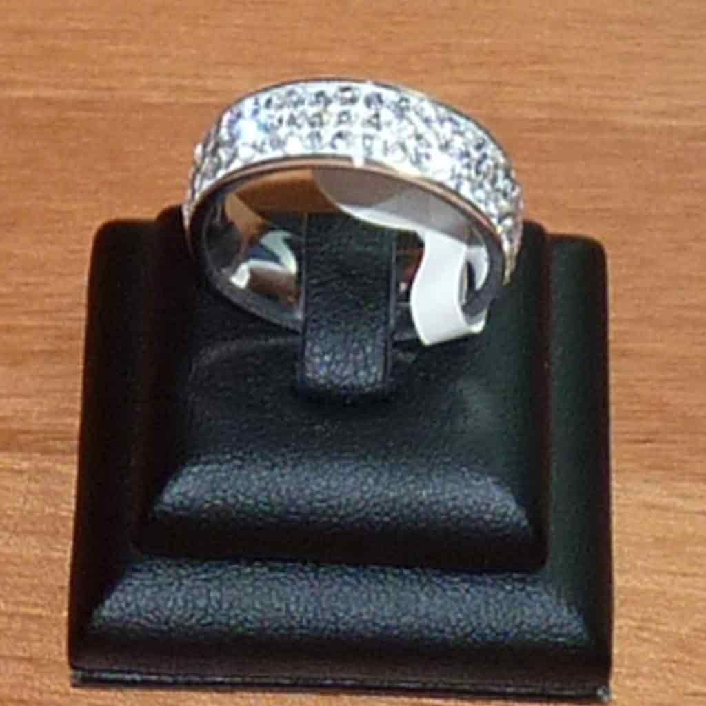 Aliança / anel de aço inoxidável c/ cristais (7mm)