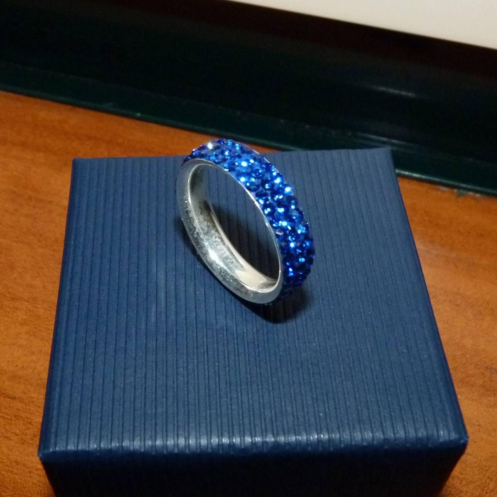 Aliança / anel de prata 925 c/ cristais Preciosa azuis (5mm)