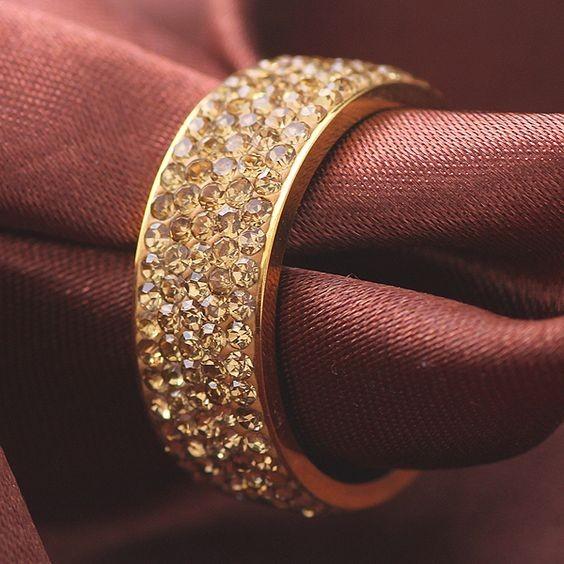 Aliança / Anel de aço inoxidável cor ouro com cristais