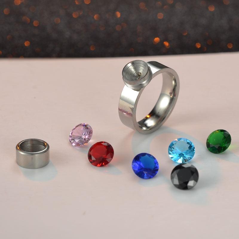 Anel de aço inoxidável (7 pedras de oferta)