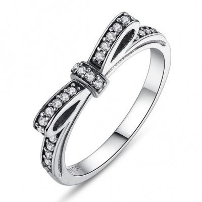 Anel / aliança de prata 925 com pedras zircão compatível com pandora (laço)