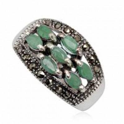 Anel de prata 925 com esmeraldase marcasita