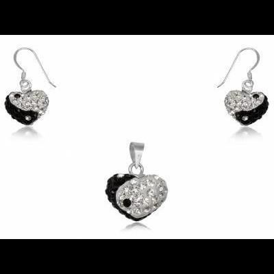Conjunto brincos e pendente prata 925 c/ cristais brancos e pretos (yang yin - coração)