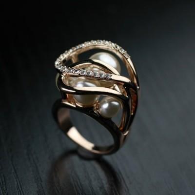 Anel cor ouro rose com cristais e pérola