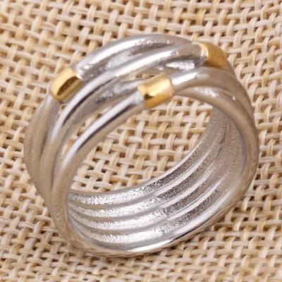 Anel de aço inoxidável com elementos em cor ouro compatível com pandora