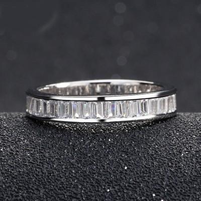Aliança / anel banhado a prata 925 c/ zircões