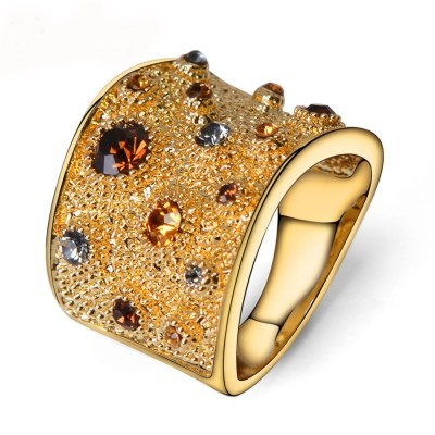 Anel banhado a ouro com cristais austríacos