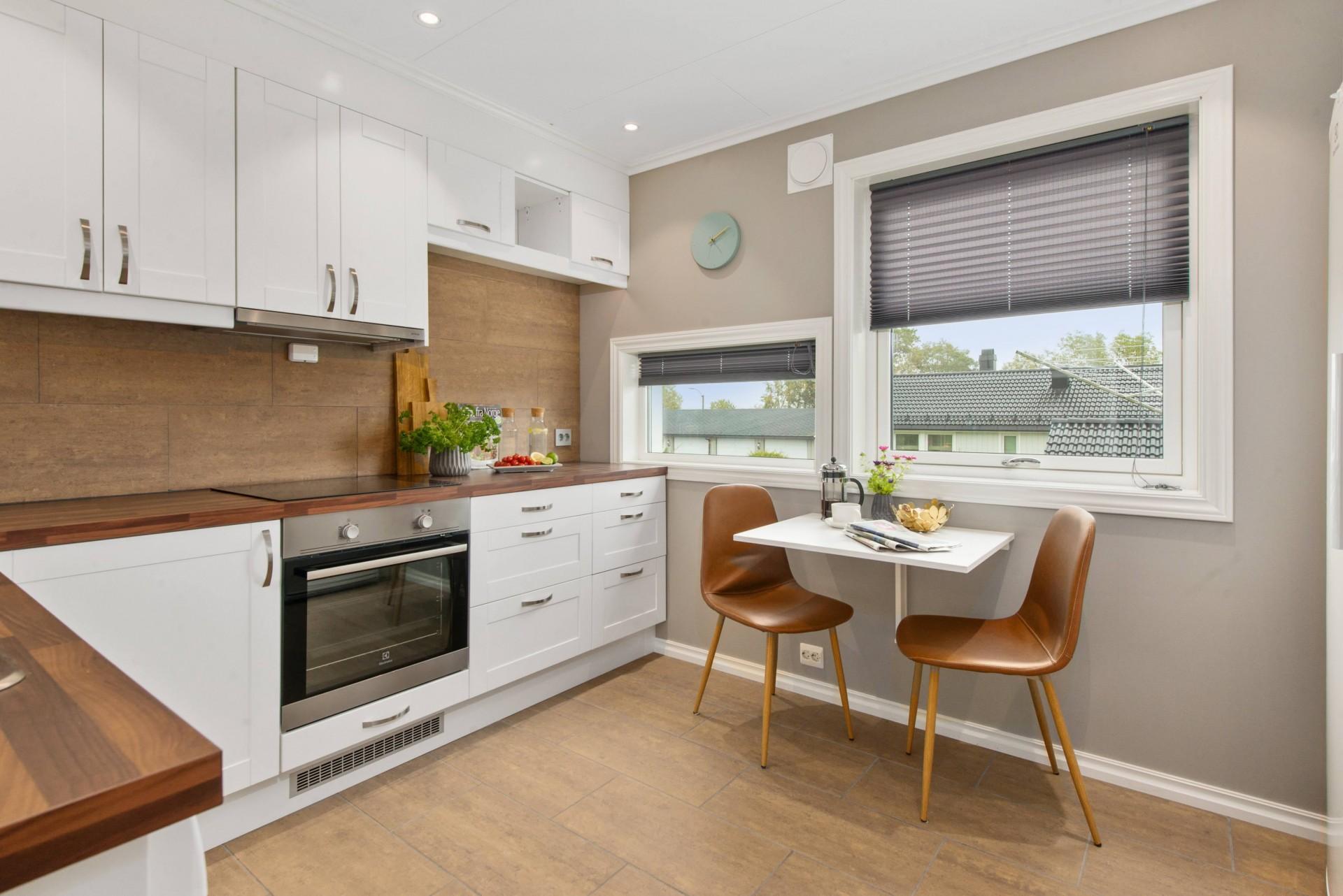 Medium Size Kitchen
