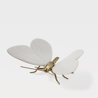 Borboleta Branca com corpo em latão natural - Esperança na vida das Borboletas