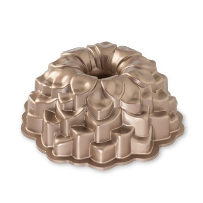 Forma Blossom Bundt Pan