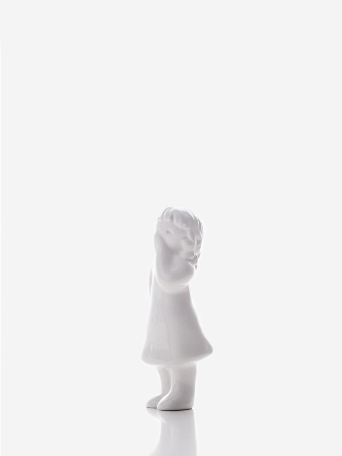 "Figura ""Menina a Receber"" branca Rosa Malva"