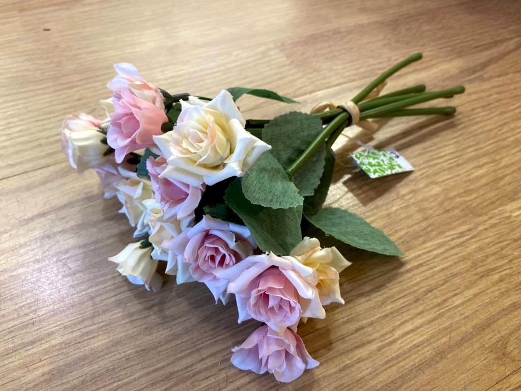 Ramo de rosas Santa Teresinha