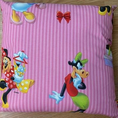 Almofada Disney menina
