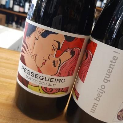Beijo Quente by Pessegueiro 75cl