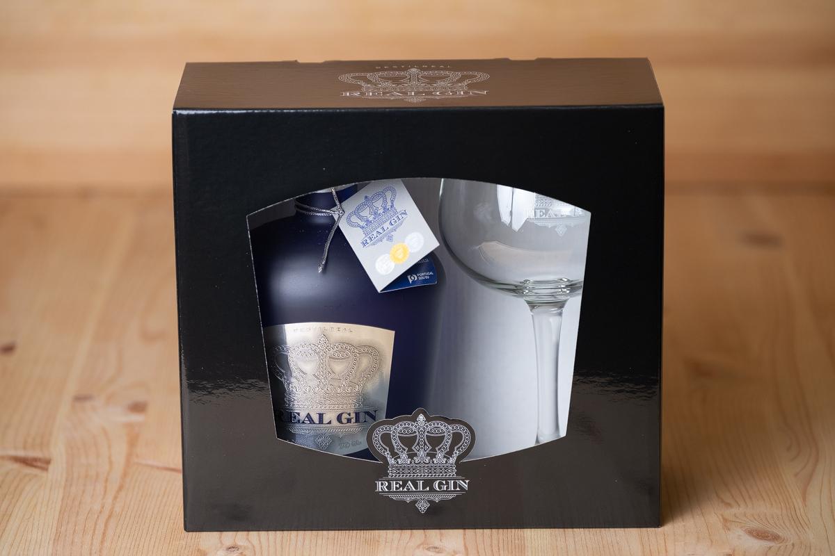 Real Gin CLASSIC com Copo em caixa de cartão ou caixa de madeira