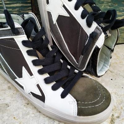 Ténis bota em khaki com preto e estrela branca