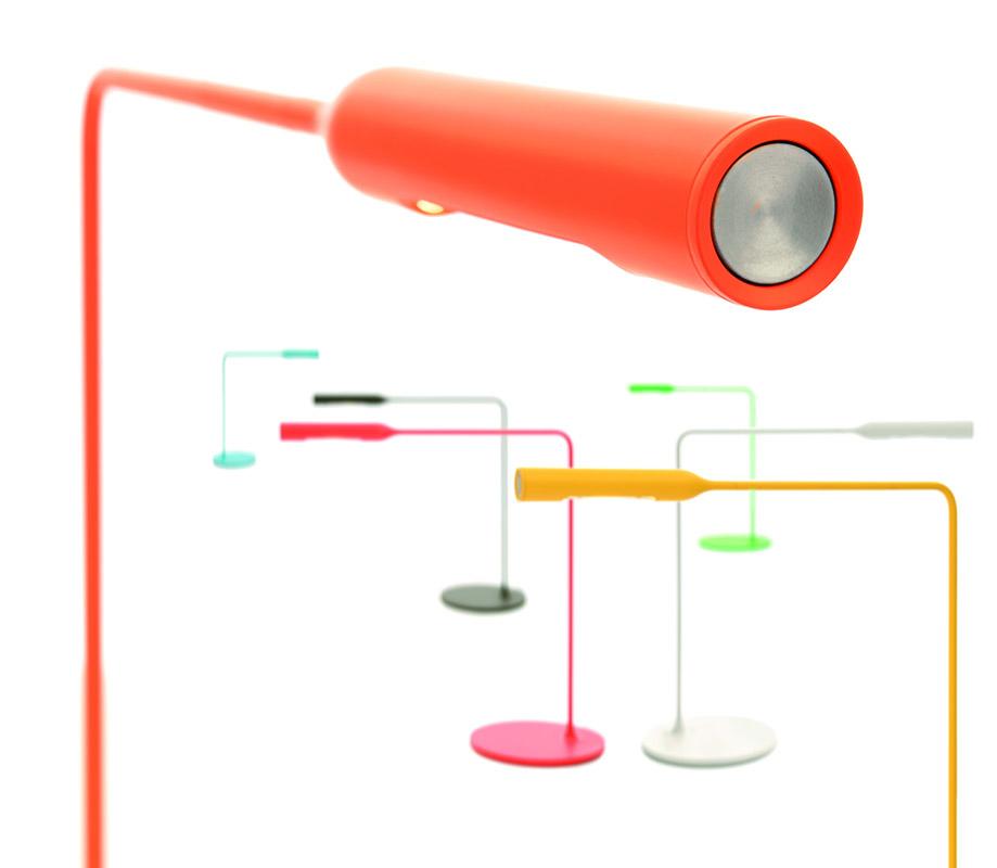 FLO DESK - 2011,  Foster + Partners, lumina