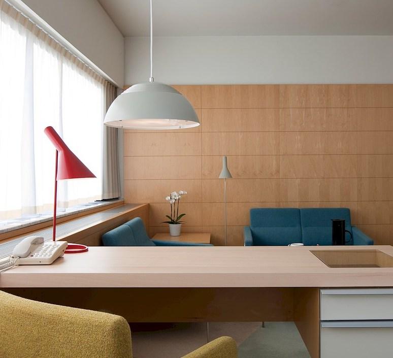 aj table - Arne Jacobsen, Louis Poulsen