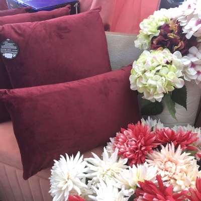 Almofada decorativa bordeaux