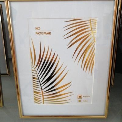 Moldura dourada 10x15cm