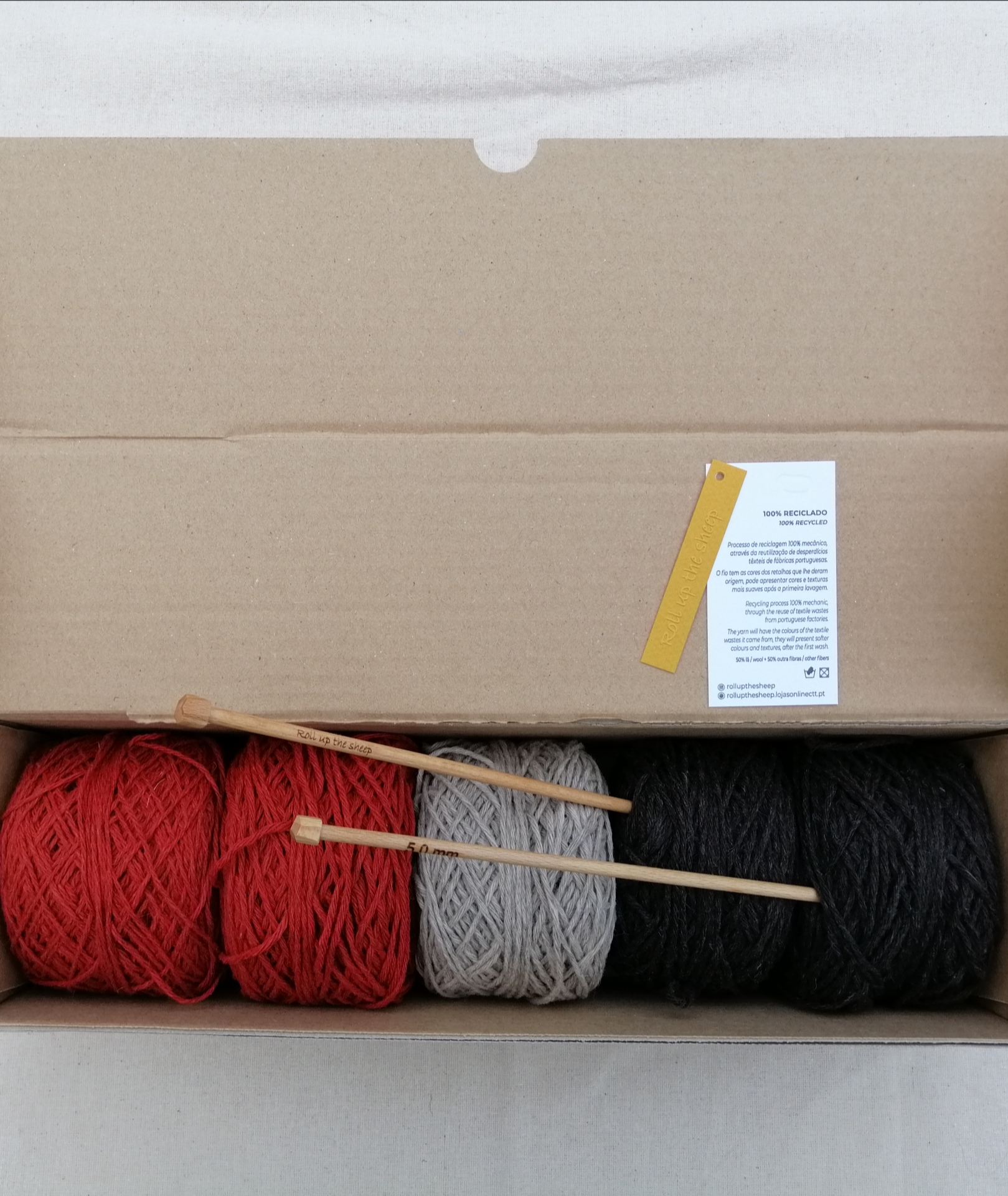 Caixa 5 novelos c/Agulhas tricot Roll up the sheep (250gr)