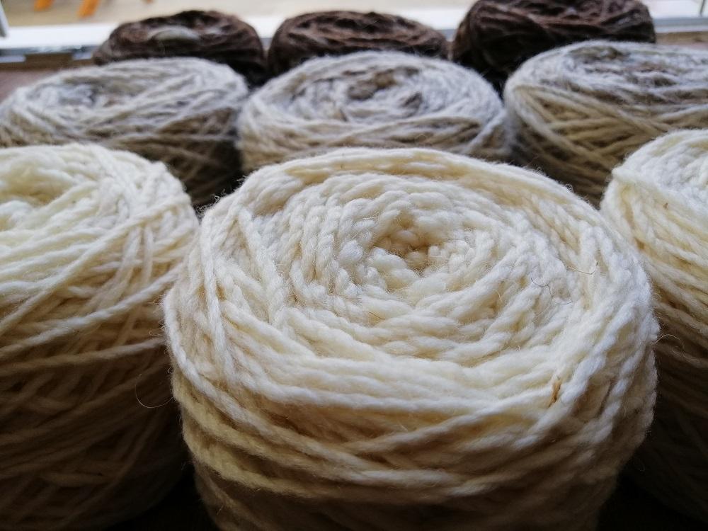 100% Lã , Bordaleira, tipo Artesão - 2 ply