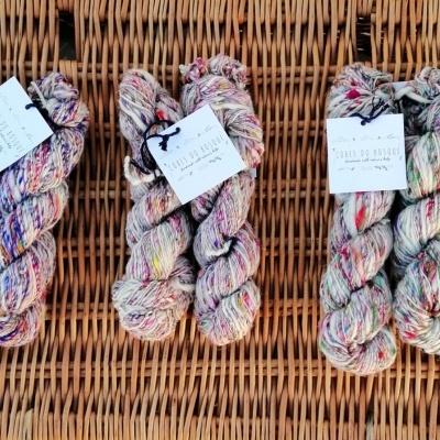 Cores do Bosque  - (1) Lã com seda fiada à mão