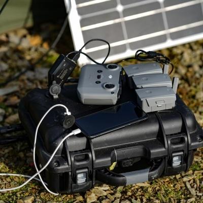 Bateria de 12V + painel solar