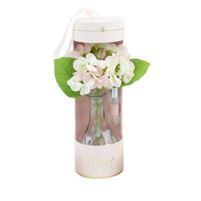 Conjunto de jarra com flor e fragância