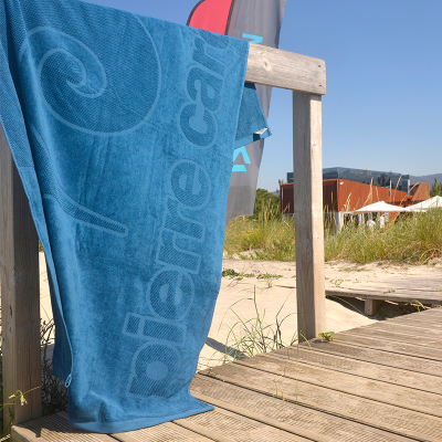 Toalha de Praia Azul Pierre Cardin